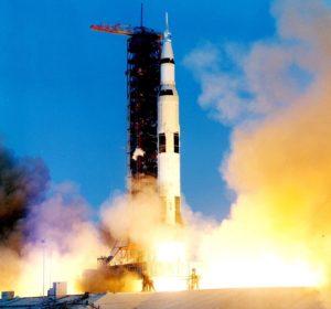 apollo_13_liftoff-ksc-70pc-160hr-4